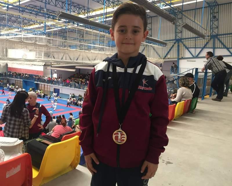 Dejan Carcedo, medalla de bronce en la Liga benjamín