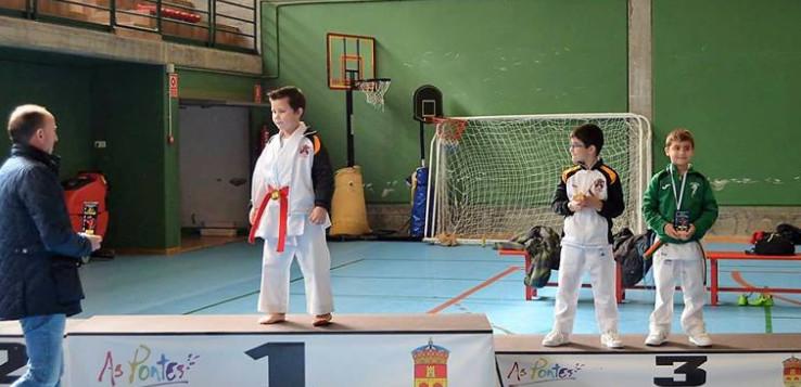 As Pontes acogió el Campeonato Provincial de Karate