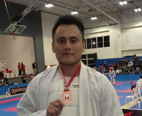 Picoy consigue Medalla de Bronce en nacional de karate