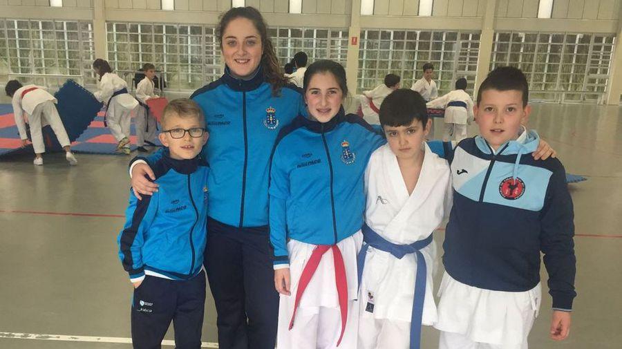 Cinco deportistas del Akai Ryu de Negreira estarán en el Campeonato de España de kárate