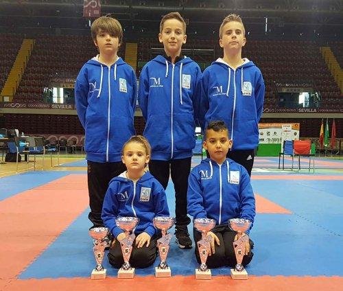 Cinco medallas para torremolinenses en el Campeonato de Andalucía de karate
