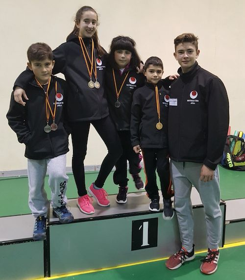 Seis medallas para los cuatro deportistas del Shotokan Tora que participaron en un torneo solidario