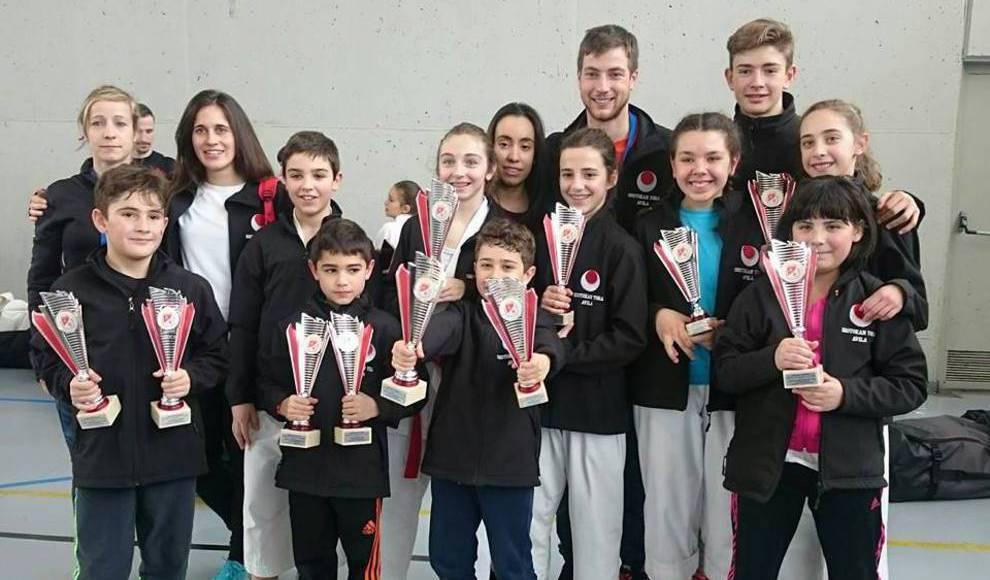 Lluvia de medallas para el Shotokantora en el regional de karate