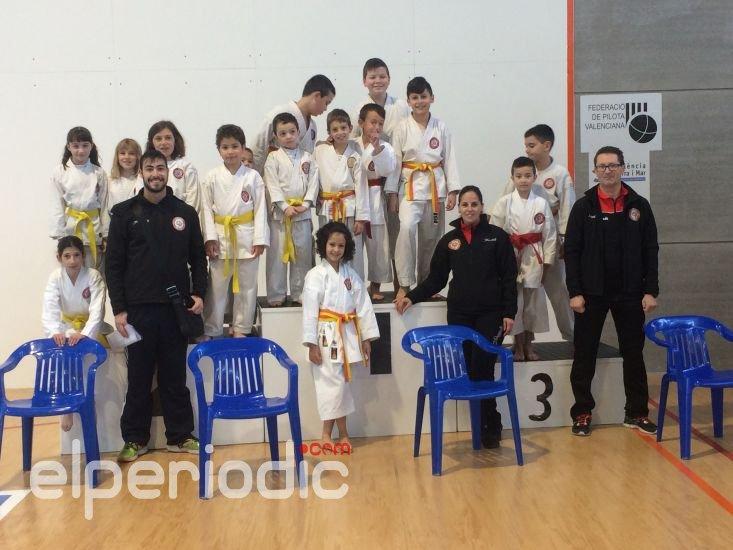 Karate Club Alboraya cierra febrero cosechando grandes éxitos