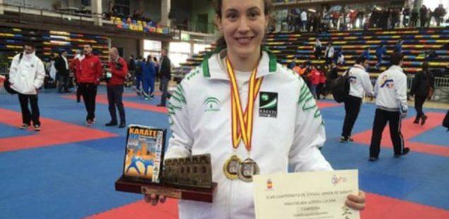 El esfuerzo y el sacrificio, dos constantes en la vida de la karateca loreña Inma Lopera