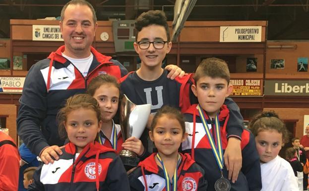 Medallas para los equipos de la comarca en el Trofeo Villa de Cangas