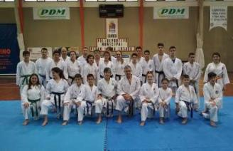 Clase magistral para los equipos de karate de Luarca y Navia