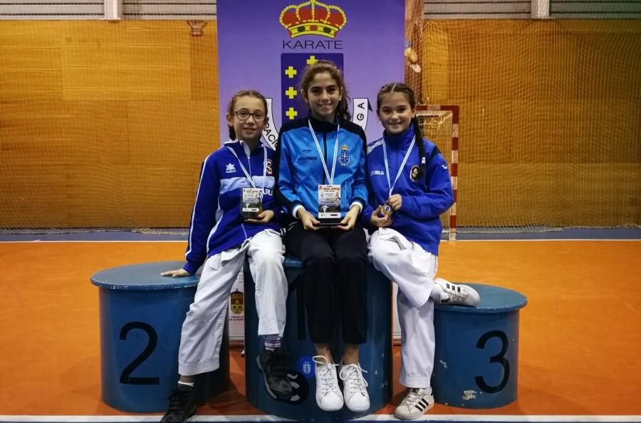 Dos medallas para el San Francisco Teo en el IX Trofeo Teresa Herrera de Karate Femenino