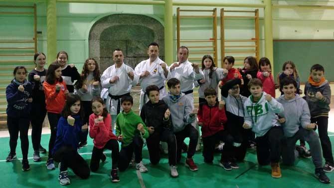Los hermanos Egea acercan el kárate a los Juegos Escolares
