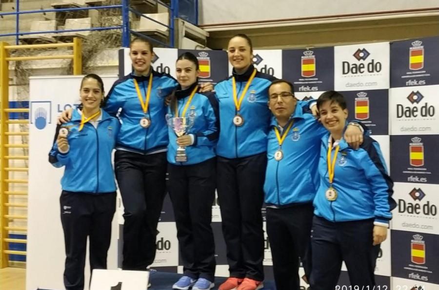 La compostelana Cristy Shedimar Tojo, de Ávalon Kai, consigue el oro en el Campeonato de España de Para-kárate