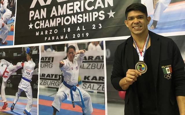 Regresa con plata el karateca sudcaliforniano Gerardo Rubio
