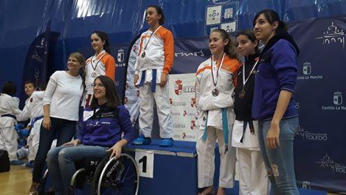 El Club Tony Sport triunfa en el Campeonato regional de karate infantil
