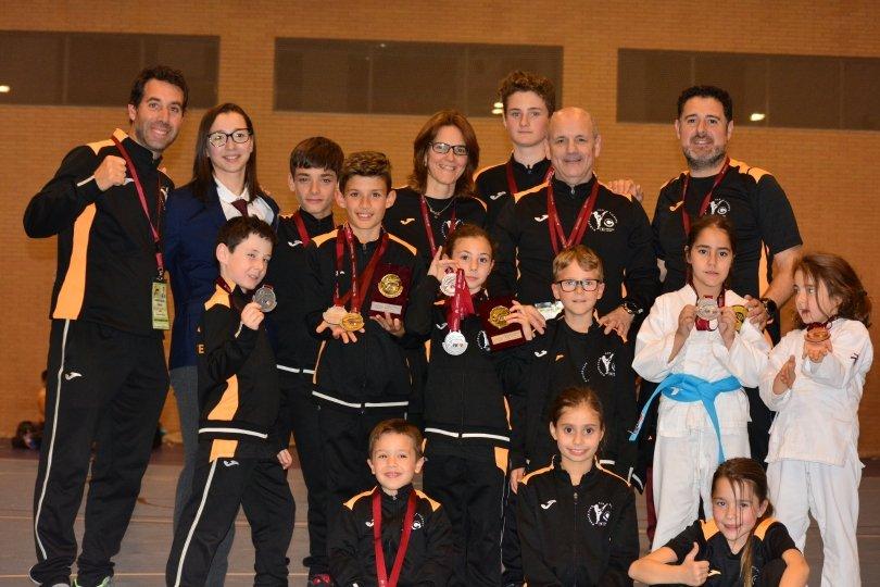 Gran final de la liga autonómica para el Karate club San Vicente