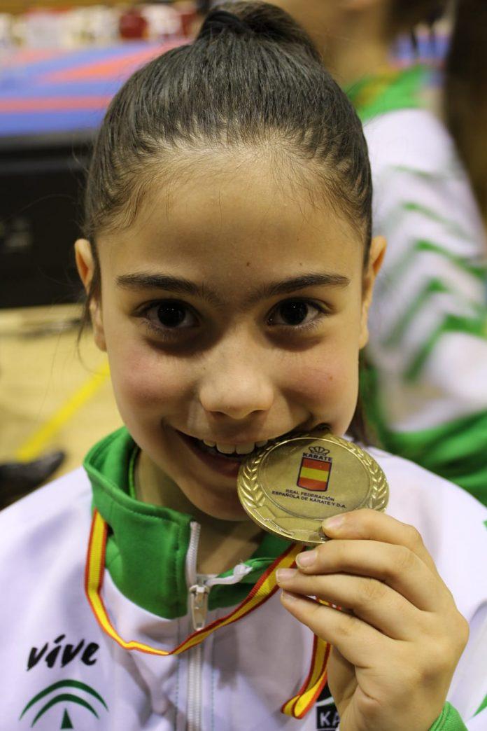 Helena González, medalla de bronce en su debut en un campeonato de España