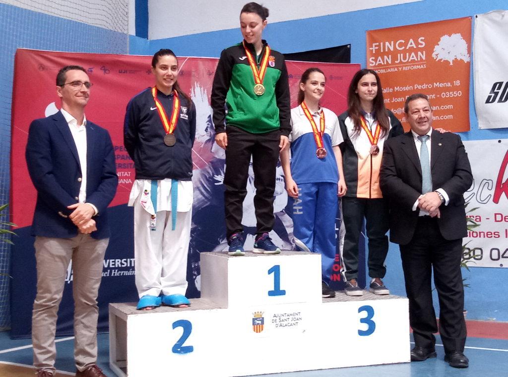 Virginia Granado logra la medalla de oro en el Campeonato Universitario de kárate