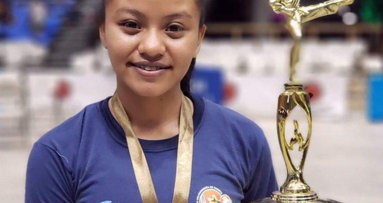 Karen, la joven de Nahuizalco que ganó medalla de bronce en el torneo Centroaméricano de Karate