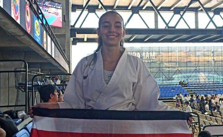 Palmareña es campeona centroamericana de Karate